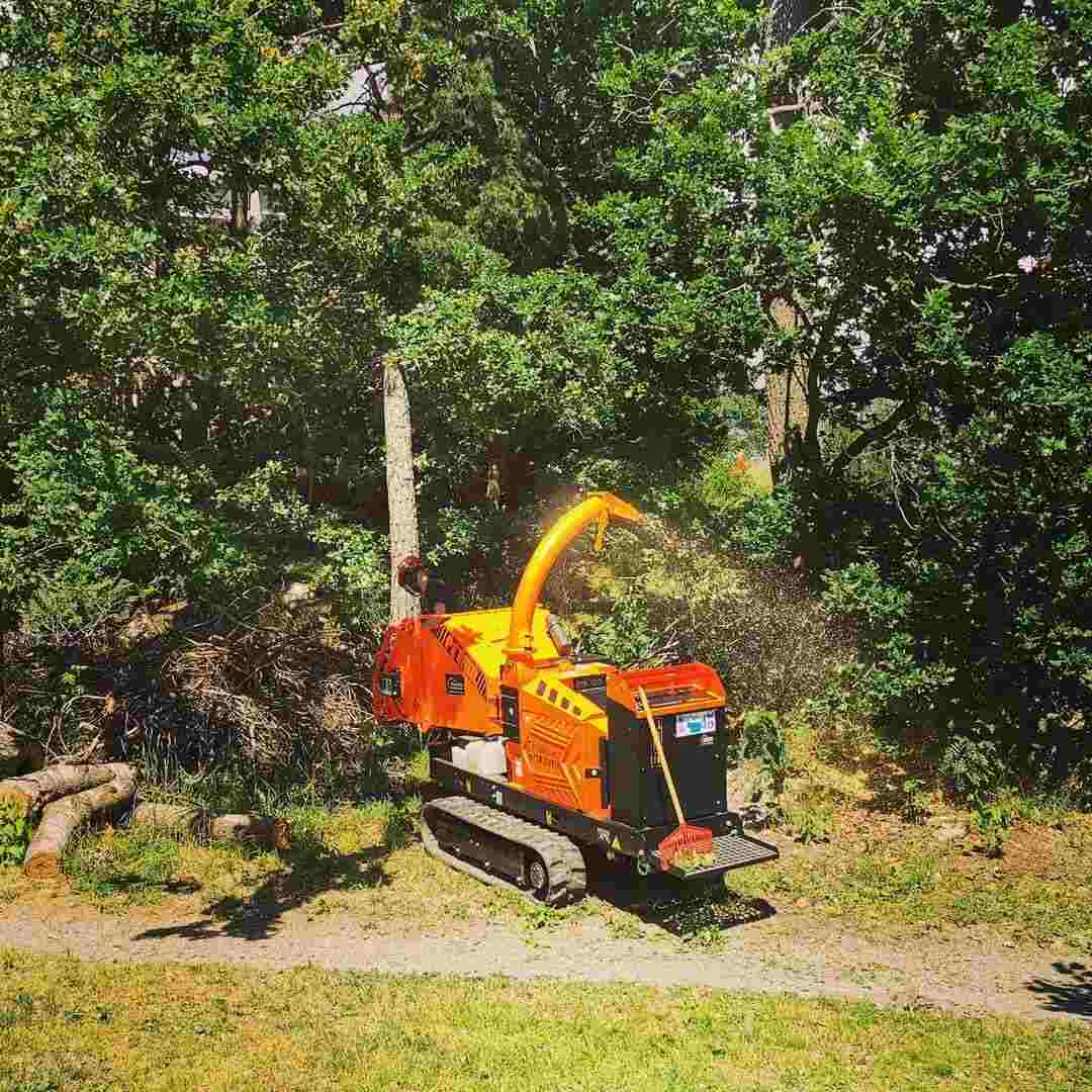 Read more about the article How Does A Wood Chipper Work